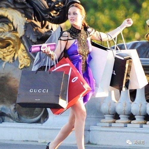 Gucci买完就穿在身上(蓝色印花真丝衬衫)⭐