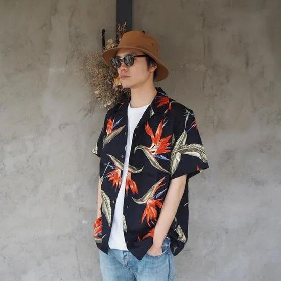 夏威夷衬衫火爆潮圈 教你如何搭配